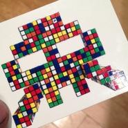 space-invader-sticker