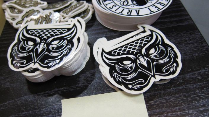 custom shape, contour cut stickers